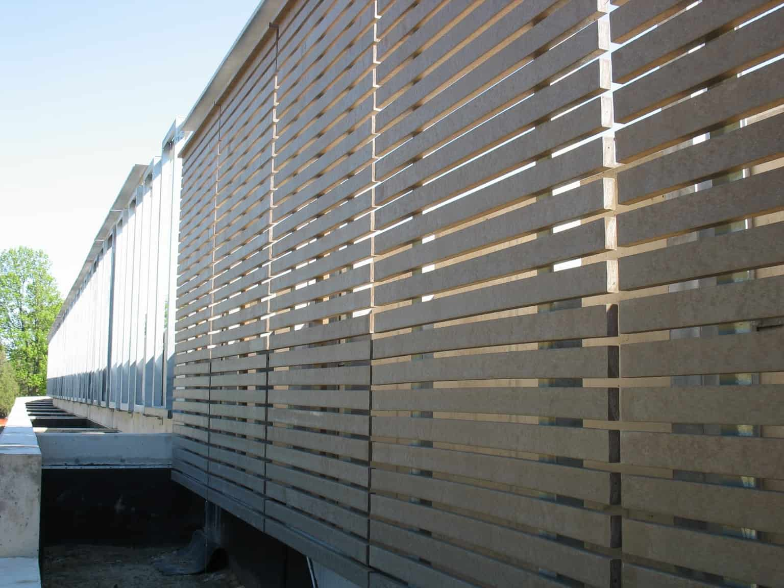 privacy fence made with recycled plastic boards