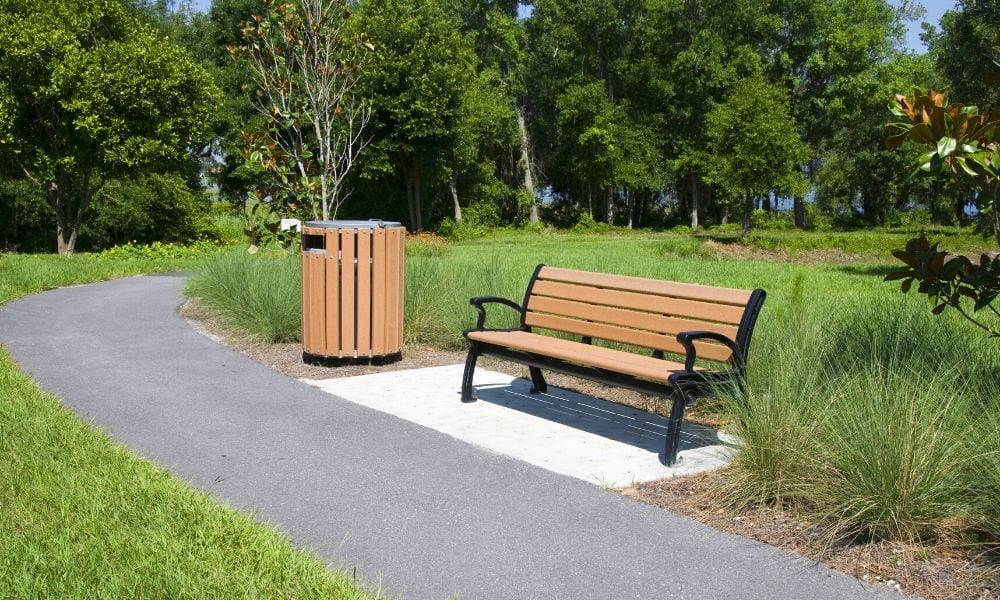 Environmental Benefits of Plastic Furniture for Parks